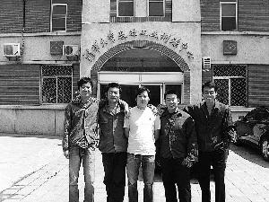 清华大学/在清华大学基础训练中心工作的学子